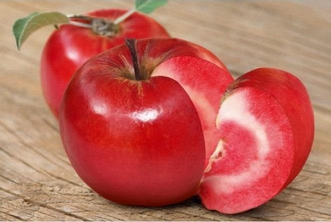 Яблоки с красной мякотью